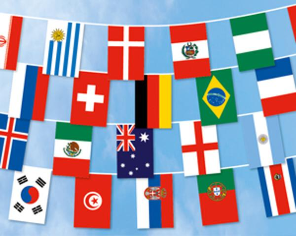 Flaggenkette 17 m 32 internationale Flaggen
